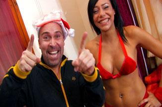 Papa Noel llega a casa borracho y con ganas de follar